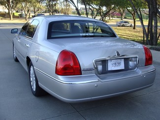 2005 Lincoln Town Car Signature Richardson, Texas 10