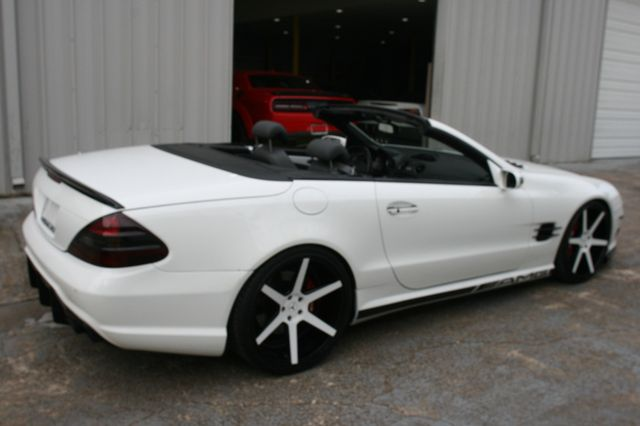 2005 Mercedes-Benz SL55 Custom 5.5L AMG Houston, Texas 24