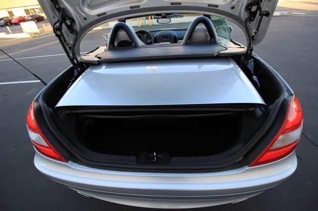 2005 Mercedes-Benz SLK350* SPORT PKG* ULTRA LOW MI* PREM SOUND* AUTO* HEATED* CONVERTIBLE* WONT LAST* CLEAN Las Vegas, Nevada 22