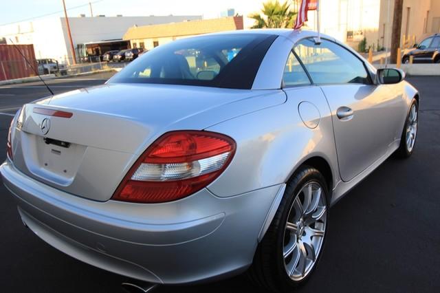 2005 Mercedes-Benz SLK350* SPORT PKG* ULTRA LOW MI* PREM SOUND* AUTO* HEATED* CONVERTIBLE* WONT LAST* CLEAN Las Vegas, Nevada 4