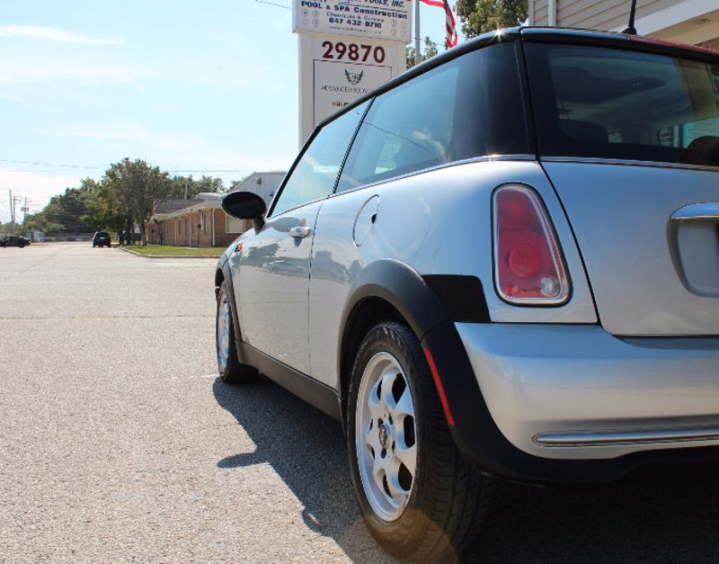 2005 Mini Hardtop   Lake Bluff IL  Executive Motor Carz  in Lake Bluff, IL