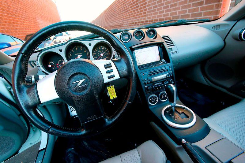 2005 Nissan 350Z Touring - Navigation - Xenon  city California  MDK International  in Los Angeles, California