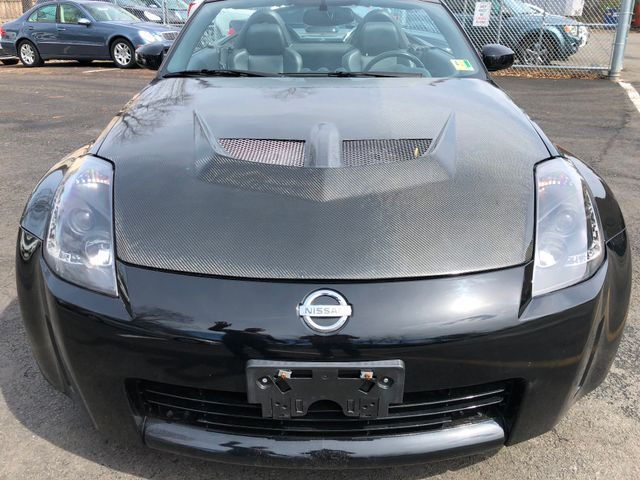 2005 Nissan 350Z Touring Sterling, Virginia 8