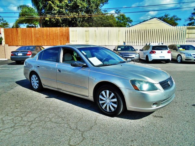 2005 Nissan Altima 25 S Limited warranty included to assure your worry-free purchase AutoCheck r