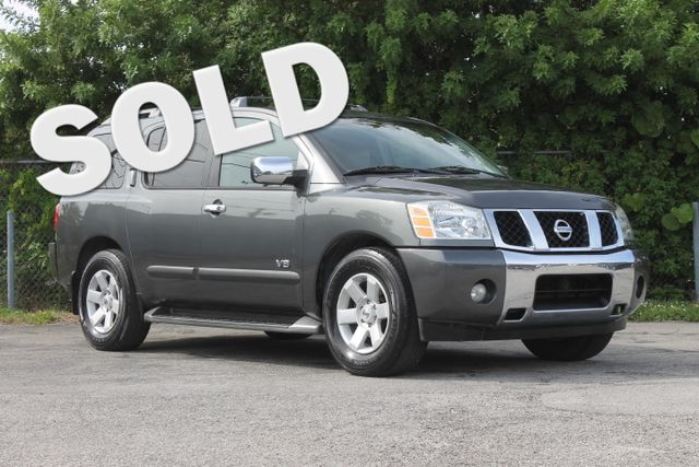 2005 Nissan Armada LE  WARRANTY CARFAX CERTIFIED V8 ENGINE 3RD ROW SEAT FLORIDA VEHICLE TR