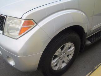 2005 Nissan Pathfinder LE Englewood, Colorado 39