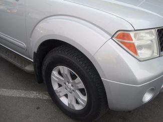 2005 Nissan Pathfinder LE Englewood, Colorado 44