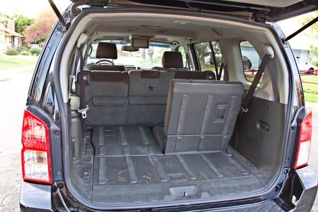 2005 Nissan PATHFINDER SE 3RD ROW SEATS AUTOMATIC ALLOY WHEELS SERIVCE RECORDS Woodland Hills, CA 22