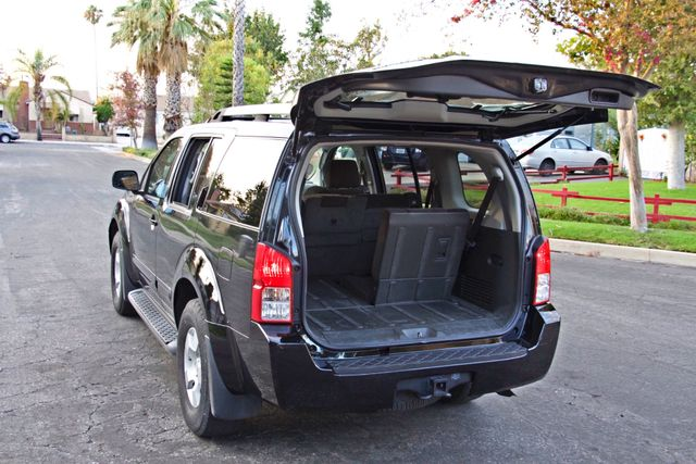 2005 Nissan PATHFINDER SE 3RD ROW SEATS AUTOMATIC ALLOY WHEELS SERIVCE RECORDS Woodland Hills, CA 23