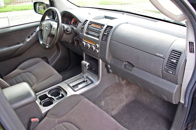 2005 Nissan PATHFINDER SE 3RD ROW SEATS AUTOMATIC ALLOY WHEELS SERIVCE RECORDS Woodland Hills, CA 20
