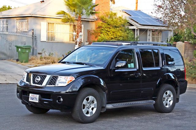 2005 Nissan PATHFINDER SE 3RD ROW SEATS AUTOMATIC ALLOY WHEELS SERIVCE RECORDS Woodland Hills, CA 1