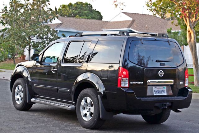 2005 Nissan PATHFINDER SE 3RD ROW SEATS AUTOMATIC ALLOY WHEELS SERIVCE RECORDS Woodland Hills, CA 3