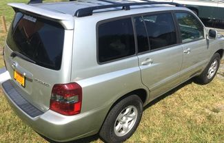 2005 Toyota-3 Owner! Auto! Highlander-27 MPG!  Base-BUY HERE PAY HERE!! Knoxville, Tennessee 3