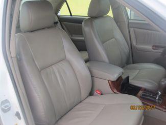 2005 Toyota Camry LE Englewood, Colorado 16