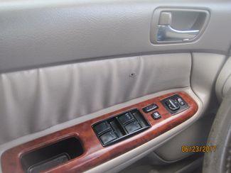 2005 Toyota Camry LE Englewood, Colorado 24