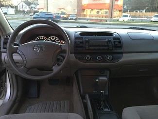 2005 Toyota Camry LE Knoxville , Tennessee 28