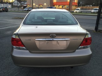 2005 Toyota Camry LE Knoxville , Tennessee 32