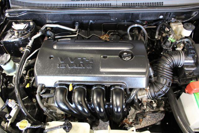 2005 Toyota Corolla LE Roscoe, Illinois 32