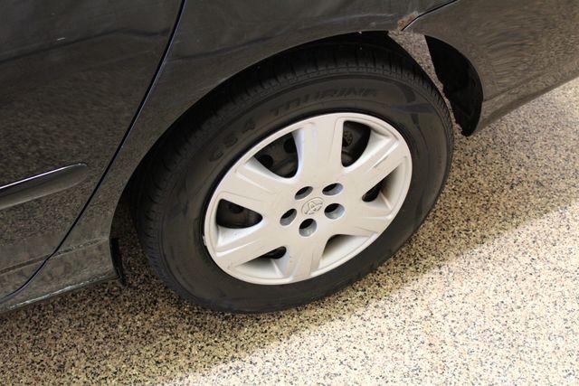 2005 Toyota Corolla LE Roscoe, Illinois 28