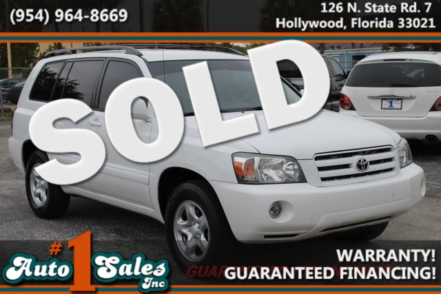 2005 Toyota Highlander  WARRANTY CARFAX CERTIFIED AUTOCHECK CERTIFIED FLORIDA VECHILE  Yo
