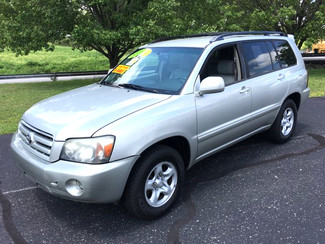 2005 Toyota-3 Owner! Auto! Highlander-27 MPG!  Base-BUY HERE PAY HERE!! Knoxville, Tennessee