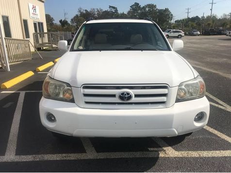 2005 Toyota Highlander V6 2WD with 3rd-Row Seat | Myrtle Beach, South Carolina | Hudson Auto Sales in Myrtle Beach, South Carolina
