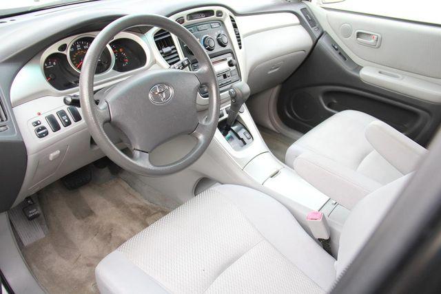 2005 Toyota Highlander 4WD W/ 3RD ROW Santa Clarita, CA 8