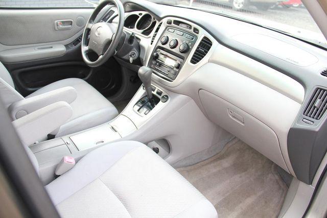 2005 Toyota Highlander 4WD W/ 3RD ROW Santa Clarita, CA 9
