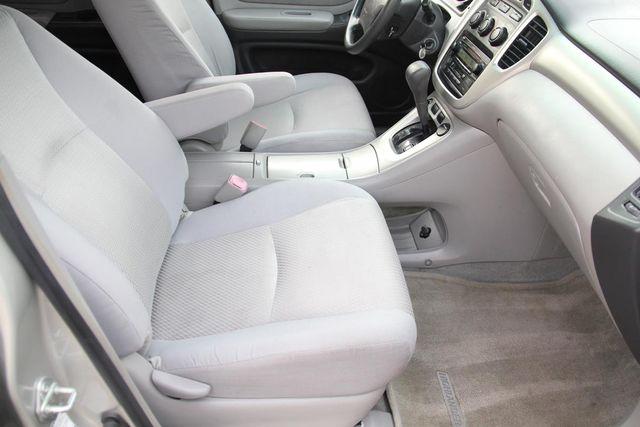 2005 Toyota Highlander 4WD W/ 3RD ROW Santa Clarita, CA 16