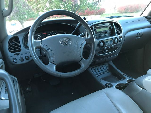 2005 Toyota Sequoia Limited Leesburg, Virginia 14