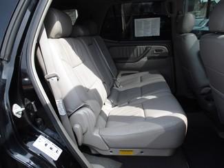 2005 Toyota Sequoia Limited Milwaukee, Wisconsin 18