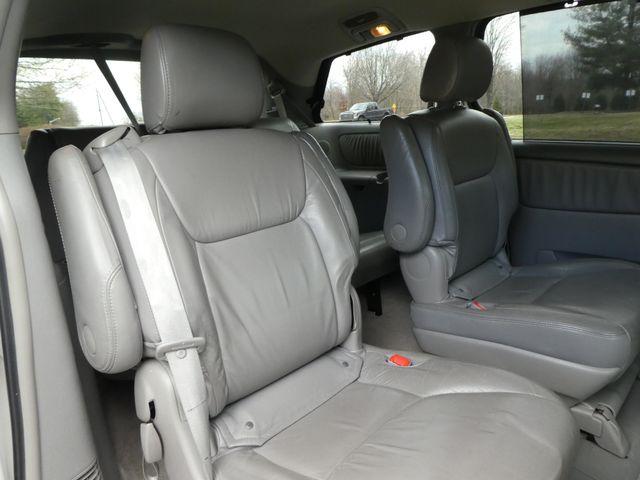 2005 Toyota Sienna XLE Leesburg, Virginia 10