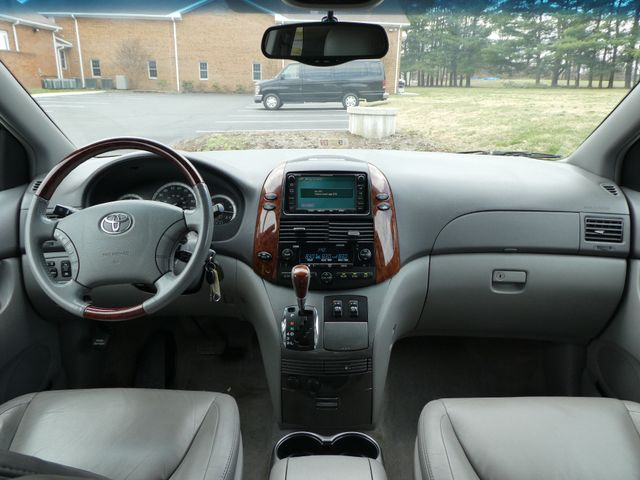 2005 Toyota Sienna XLE Leesburg, Virginia 16