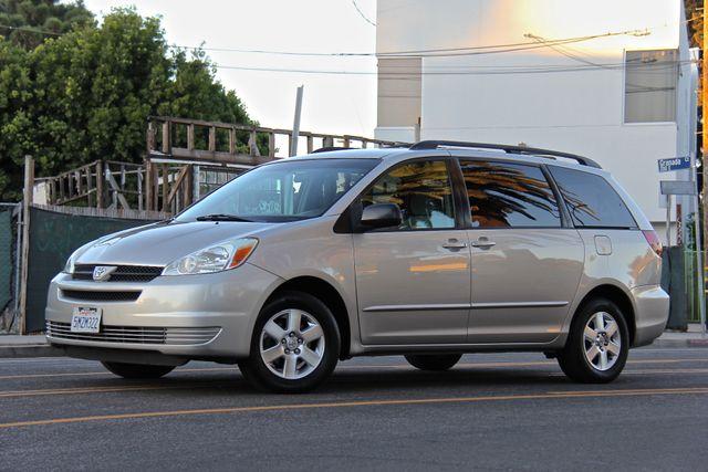 2005 Toyota Sienna LE Reseda, CA 1