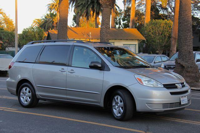 2005 Toyota Sienna LE Reseda, CA 10