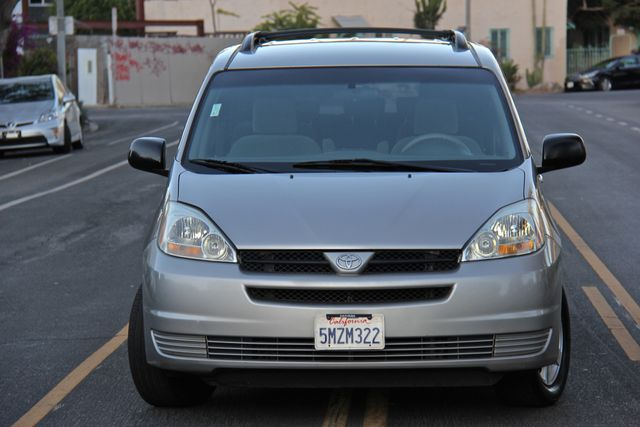 2005 Toyota Sienna LE Reseda, CA 13