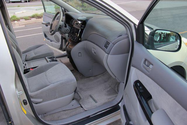 2005 Toyota Sienna LE Reseda, CA 16