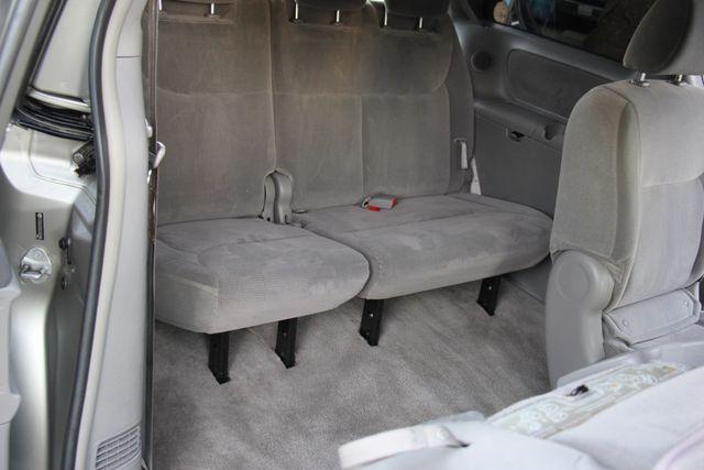 2005 Toyota Sienna LE Reseda, CA 19