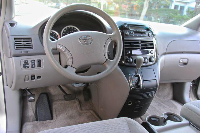 2005 Toyota Sienna LE Reseda, CA 28