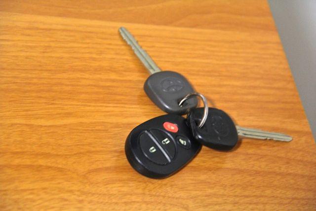 2005 Toyota Sienna LE Reseda, CA 33