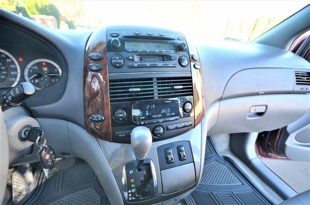 2005 Toyota Sienna XLE LTD Reseda, CA 44