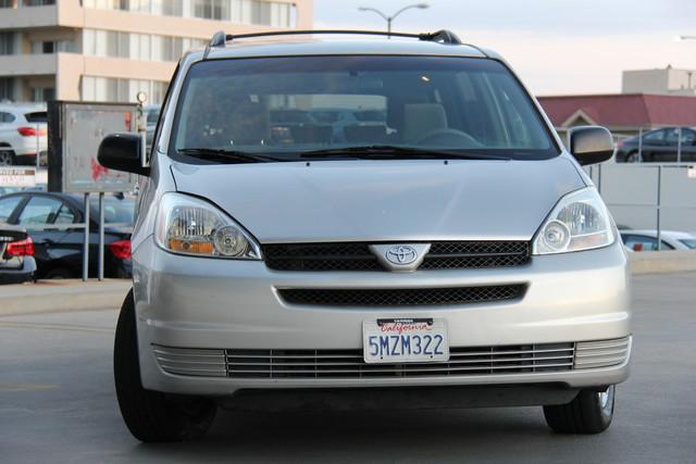2005 Toyota Sienna CE Studio City, California 9