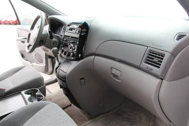 2005 Toyota Sienna CE Studio City, California 25