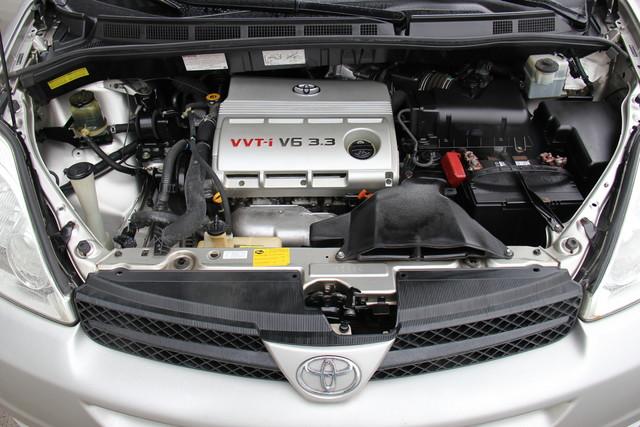 2005 Toyota Sienna CE Studio City, California 33