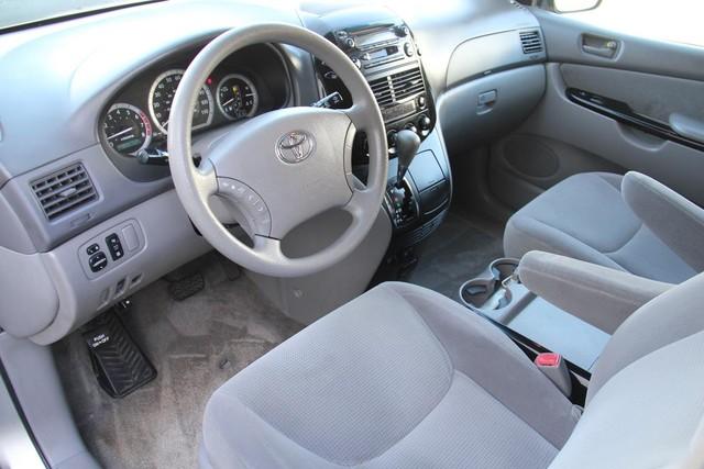 2005 Toyota Sienna LE Santa Clarita, CA 7