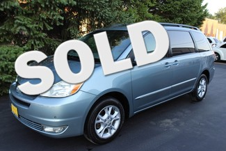 2005 Toyota Sienna in West, Chicago,