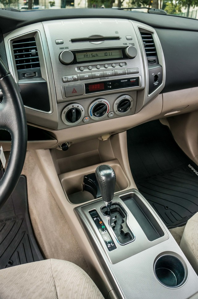 2005 Toyota Tacoma PreRunner V6 SR5 - 189K MILES - BED LINER Reseda, CA 24