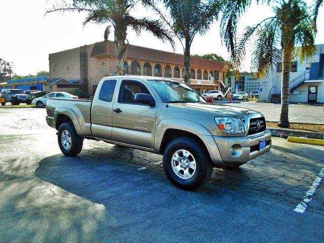 2005 Toyota Tacoma PreRunner Limited warranty included to assure your worry-free purchase AutoChe