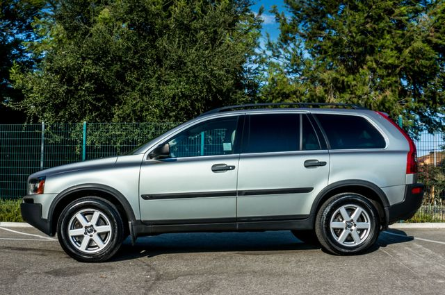 2005 Volvo XC90  AUTO  - 103K MILES - 3RD ROW - SUNROOF - 1-OWNER Reseda, CA 4