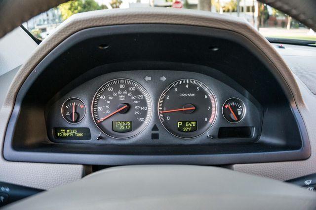 2005 Volvo XC90  AUTO  - 103K MILES - 3RD ROW - SUNROOF - 1-OWNER Reseda, CA 14